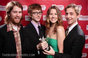 De fire medlemmer af Gregory Brothers ved Streamy Awards 2010