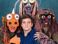 Nick Lutsko med 3 af dukkerne fra The Gimmix